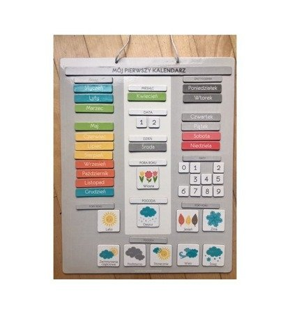 Kalendarz przedszkolaka z tablicą magnetyczną do zawieszenia